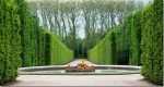 Versailles-Palace-gardens-Paris-France._thumb.jpg