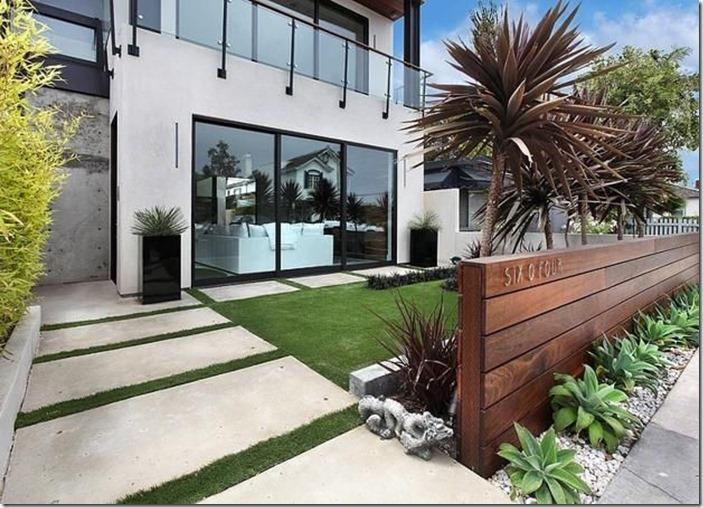 modern front lawn